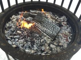 o%cc%88tschrgrill-kleine-flamme-glut